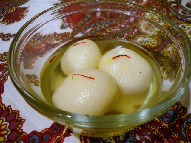 Rasgolla - Milky Balls that melts in mouth
