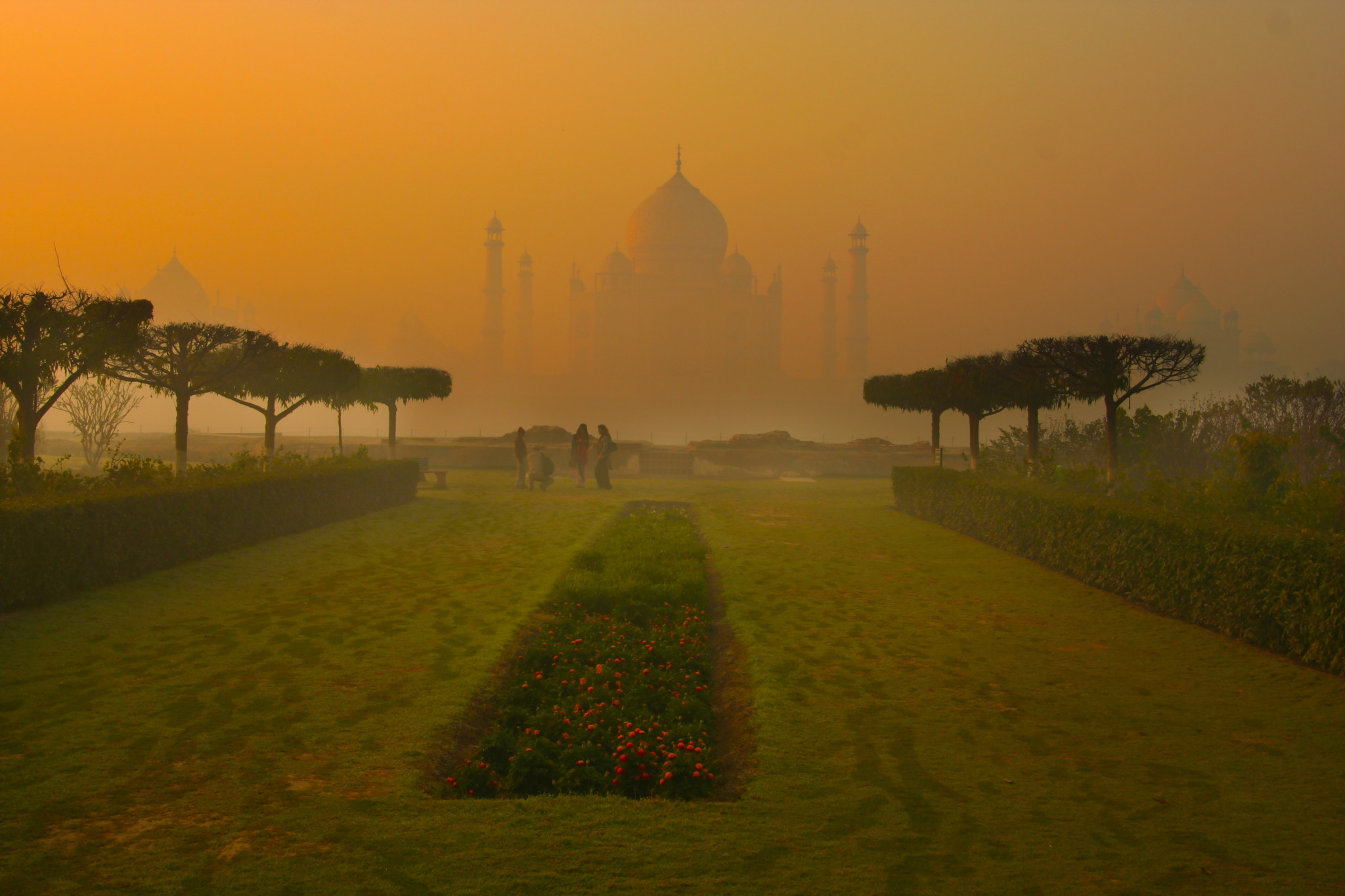 Mehtab garden - One of the must visit Tourist places in Agra
