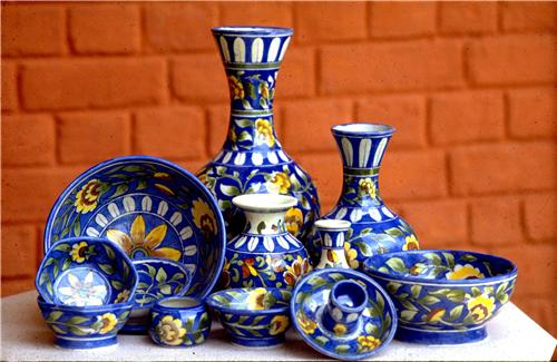 blue-pottery-items