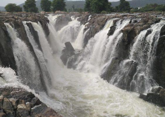 Hogenakkal Falls in all its Glory